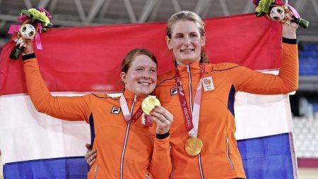 Larissa Klaassen Wins Gold In Women's B 1,000m Time Trial