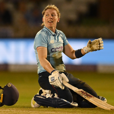 Huge win in final ODI by England Beaumont powers