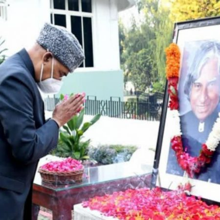 On the 90th anniversary of APJ Abdul Kalam's birth, Prime Minister Narendra Modi pays tribute to the 'Missile Man.'